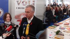 Ministar zdravlja Rajko Ostojić u posjeti HUHIV info šatoru